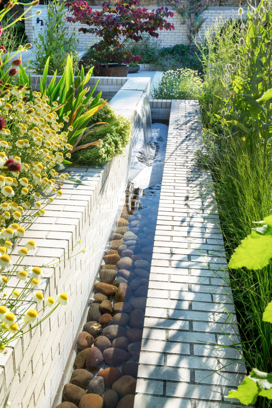 East london house mikhail riches for Garden design east london